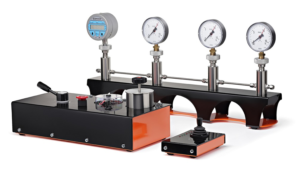Automated hydraulic calibrating system GSKA